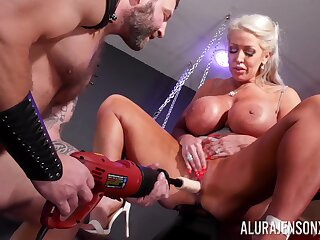 Cougar mom plays submissive in pretty incorrect maledom XXX play